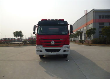 Cina 380HP Engine Power Motorized Fire Truck Dengan Sistem Transmisi Pompa Air pabrik