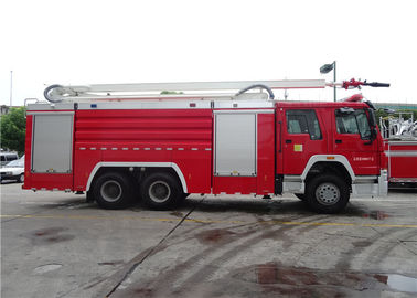 Cina Red Painting Water Tower Fire Truck Welding Struktur 4 Ton 20m Tinggi Kerja Distributor